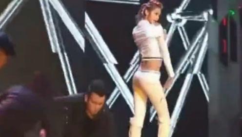 林允儿 这个舞跳的太漂亮啦!
