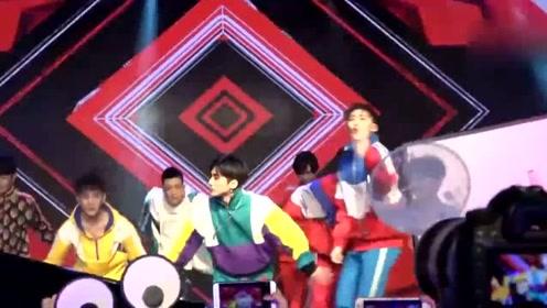 X玖少年团新专辑首唱会 为歌迷献520专属福利