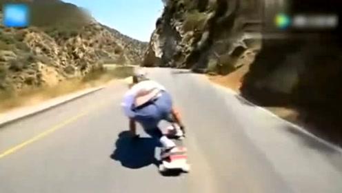外国美女滑板公路速降!如此惊险刺激的运动不输于男人!