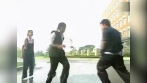 靠打架能解决问题吗?打架不如跳舞