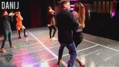 双人舞跳的好妖娆