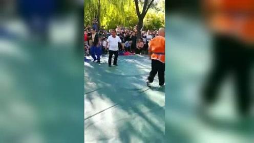 中国式摔跤博大精深,为真功夫加油!