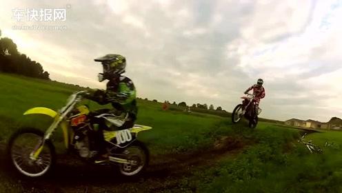 二冲越野摩托车 场地平原骑行训练