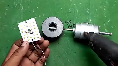 自己制作电池简易充电宝,可循环充电不浪费,胶棒大小携带方便!