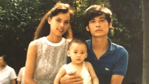 李易峰晒父母年轻时高颜值照片 李妈妈真像外国大美女