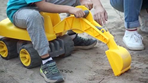 《猫扎特玩具》用超级马力挖土机来寻宝吧!