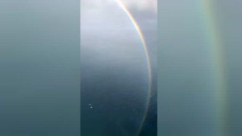 罕见!小哥拍到了完整的全圆彩虹 美呆了