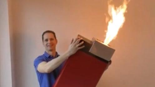世界最大打火机!半人高点火得抱着点!