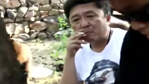 只看过岳云鹏模仿于谦吸烟,第一次见到本人吸,岳云鹏模仿到精髓