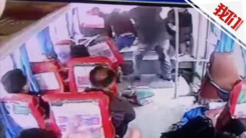 醉汉乘车欲抢夺方向盘被乘客制服 司机直接把车开到派出所