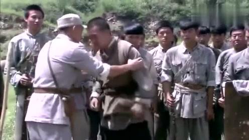 八路军营长带着迫击炮和机枪去打土匪,敌人不服想试下威力!