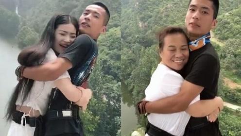 男子是个特殊职业:抱着别人的老婆,老公要给钱还要表示感谢