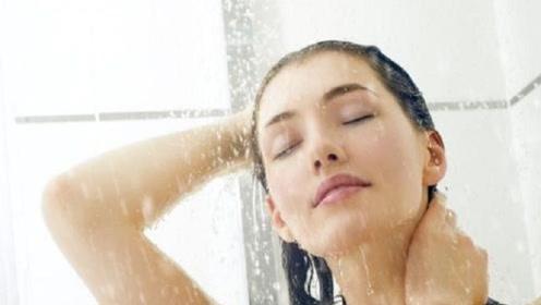 为什么中国人喜欢晚上洗澡,外国人却早上洗澡?为何差别这么大?