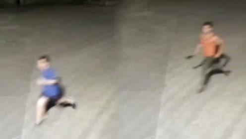 男子买来40厘米柴刀追砍夜跑者 只因此前被对方撞了一下