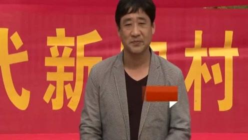 山东菏泽一位农民歌手翻唱祁隆的歌,唱出了相思之苦,真好听