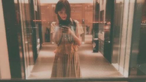 郑爽着复古裙子姿势撩人,79元的地摊货穿出仙女范儿