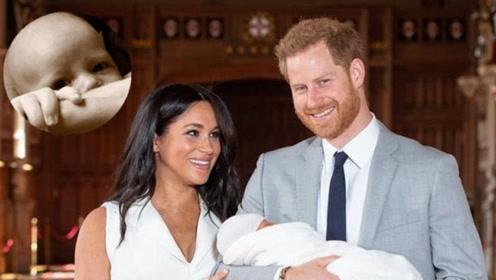 哈里王子父亲节公开儿子正面照 阿尔奇大眼超萌