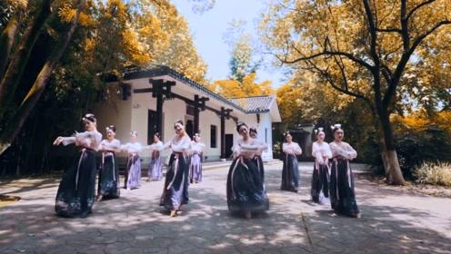 超有感觉!唯美中国舞《小乐舞》给人淡淡的娴静感