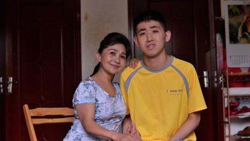 最心酸身高差,62岁妈妈身高150却养大照顾180的自闭症儿