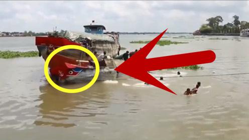 渔船发生侧翻,以为另一条船是来救援的,没想到更严重的还在后面
