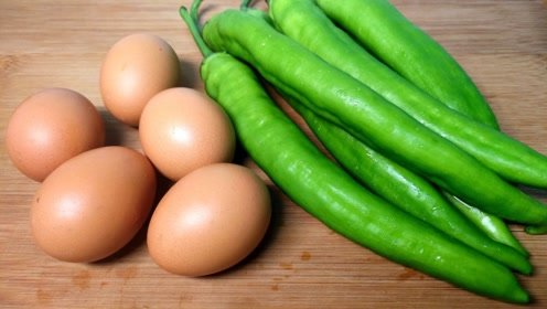 青椒炒鸡蛋,先放青椒,还是鸡蛋?很多人做错了,难怪不好吃!