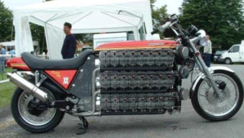 大叔给摩托车加装48个气缸,拧下油门的瞬间,整个世界都惊艳了