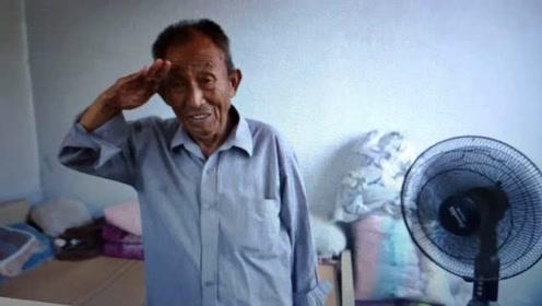 20岁小伙为老兵拍照2年,老兵敬军礼感谢