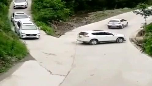 同样的路,同样是SUV,好车不如好技术