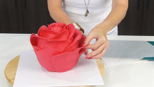 """如何制作一个逼真的""""玫瑰花蛋糕"""",真是太有创意了!"""