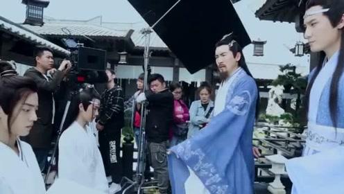 《陈情令》花絮:蓝湛成了魏无羡的母亲,王一博努力憋笑