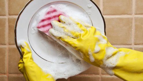 长期吃用洗洁精洗过的碗筷,真的会得癌症吗?