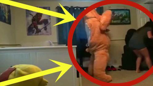 男子扮熊给女友惊喜,3秒后女友的举动令其终身难忘,太奇葩了!