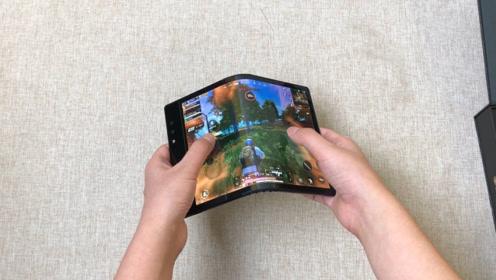 能折叠200000次的手机开箱,用来游戏那一瞬:还自带倍镜?