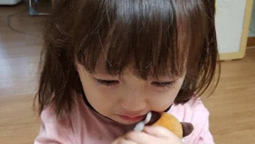 韩国萌娃来中国旅游,吃了一餐火锅后直言:我们不能住在中国吗?