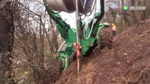 这台机器适应各种恶劣的地形,装起电缆轻轻松松!