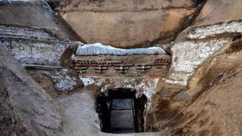 """内蒙一小山村""""地动山摇"""",考古队赶到挖出贵妃墓,与海昏侯齐名"""