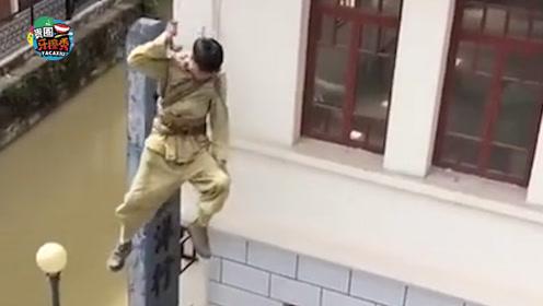 替身演员吊威亚突遭意外,脖子被紧勒撞玻璃险象环生