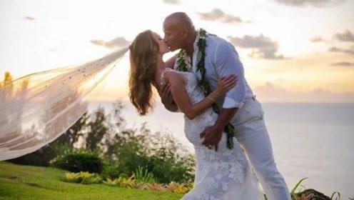 巨石强森结婚,曝光绝美婚纱照,两人也是先上车后补票?