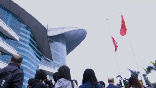 """你背后是祖国!香港网友动情演唱""""爱家回家"""" 呼唤青年迷途知返"""