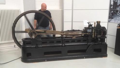 老外收藏1926年火车发动机,现在还能启动,声浪略显别致!