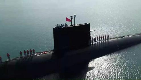 中国潜艇实战画面罕见曝光,潜射导弹雷霆一击