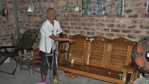 变态!49岁男子猥亵79岁老人被拘,年轻时因强奸罪入狱