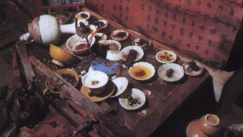 江苏发现千年古墓,墓中摆满酒席还坐着一个人,专家都被吓到了!