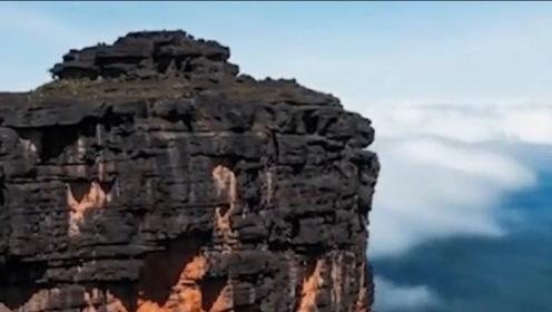 误闯天空之城:被称为云端上失落的世界,简直就是旅行者的天堂!