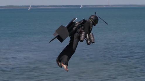 老外发明喷气式飞行器,可轻松飞跃千米大河,速度比快艇还要快