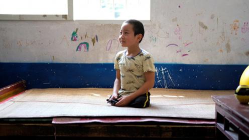 萤火演讲:截肢男孩靠跳舞视频成网红 改变命运穿上假肢走出大山