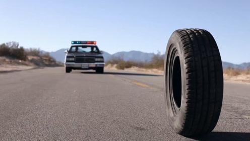 一条有灵魂的轮胎,不仅无需外力就能移动,还拥有一项超能力