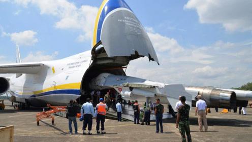 世界最大的飞机,肚子能装下战斗机,中国只有一个机场可以降落!