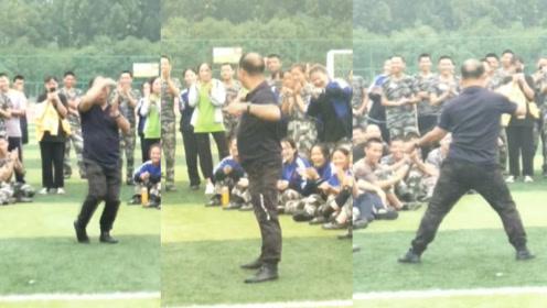 灵活的胖子!河南一老师为军训活跃气氛,当场跳起了霹雳组合舞