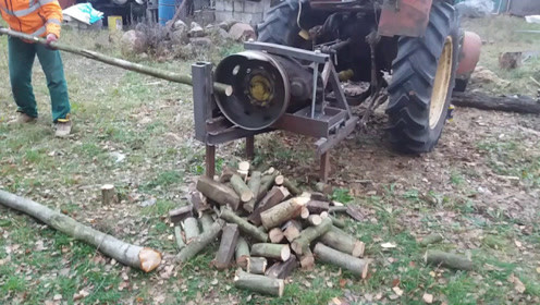 """大叔发明""""拖拉机""""砍柴工具,一天砍50吨木头,20元造一个!"""